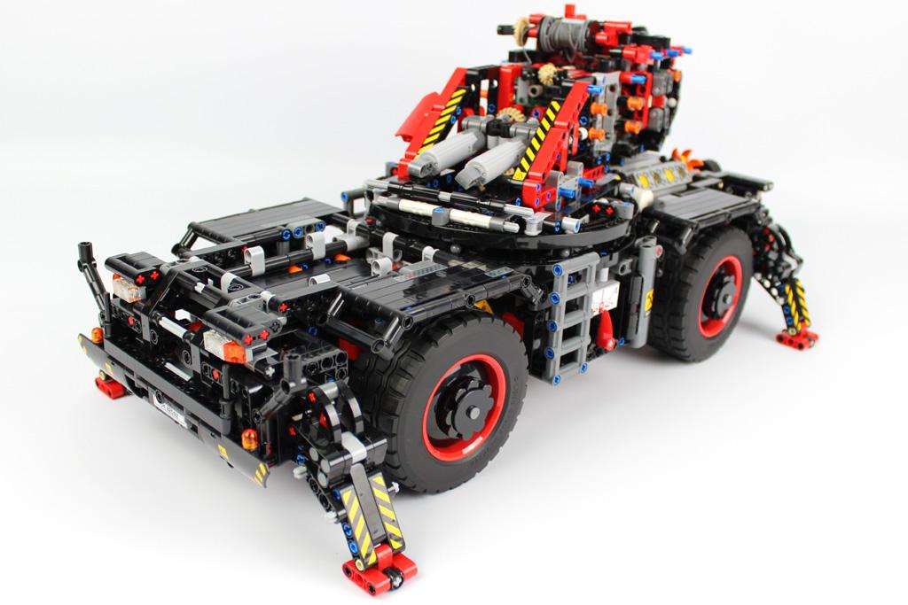 lego-technic-gelaendegaengiger-kranwagen-42082-bauabschnitt-8-3-2018-zusammengebaut-andre-micko zusammengebaut.com