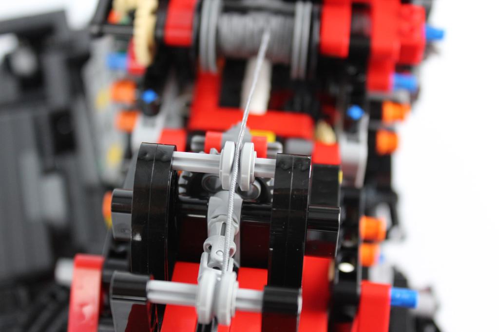 lego-technic-gelaendegaengiger-kranwagen-42082-detail-2018-zusammengebaut-andre-micko zusammengebaut.com