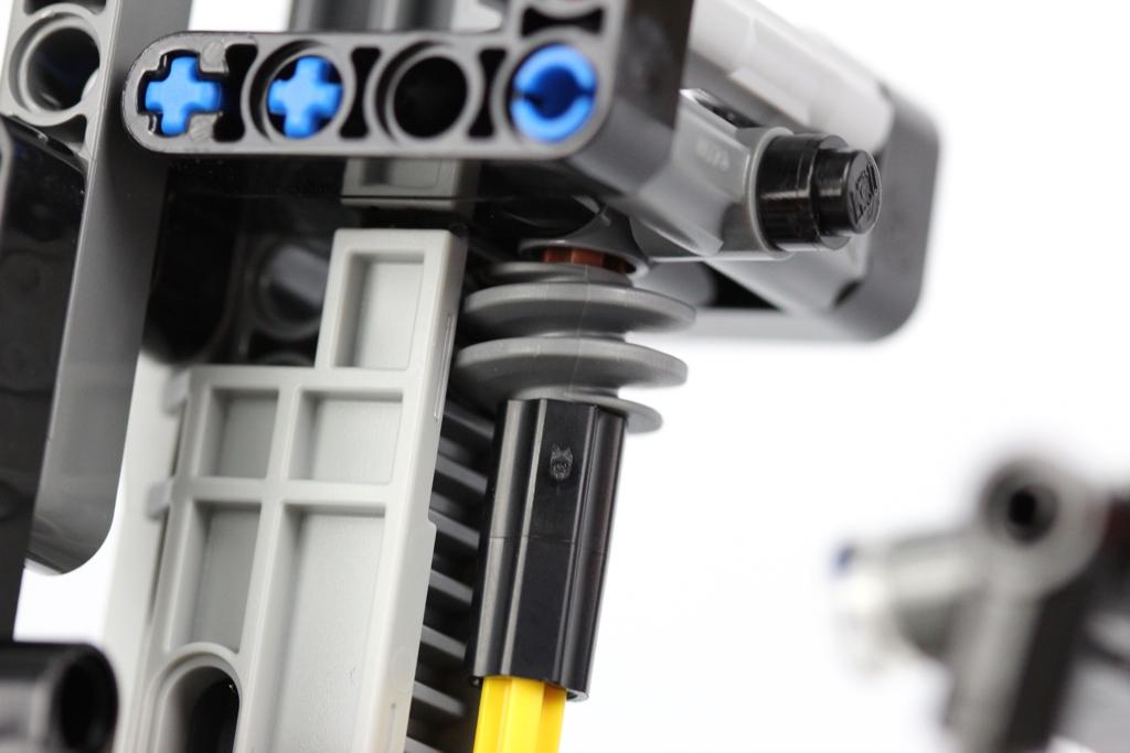 lego-technic-schwerlast-gabelstapler-42079-schnecke-zahnstange-2018-zusammengebaut-andre-micko zusammengebaut.com