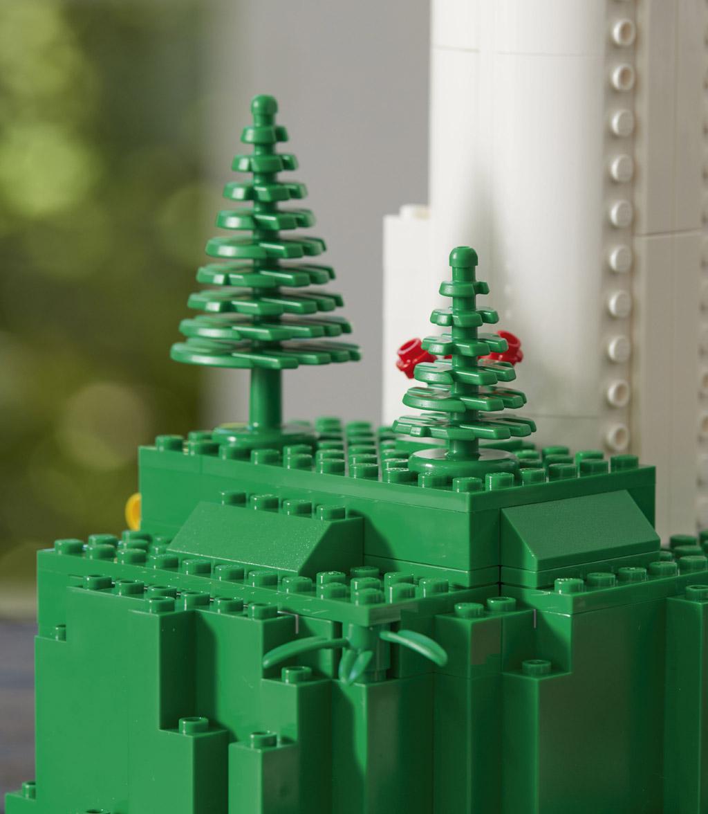 lego-creator-expert-vestas-windkraftanlage-10268-baum-2018 zusammengebaut.com