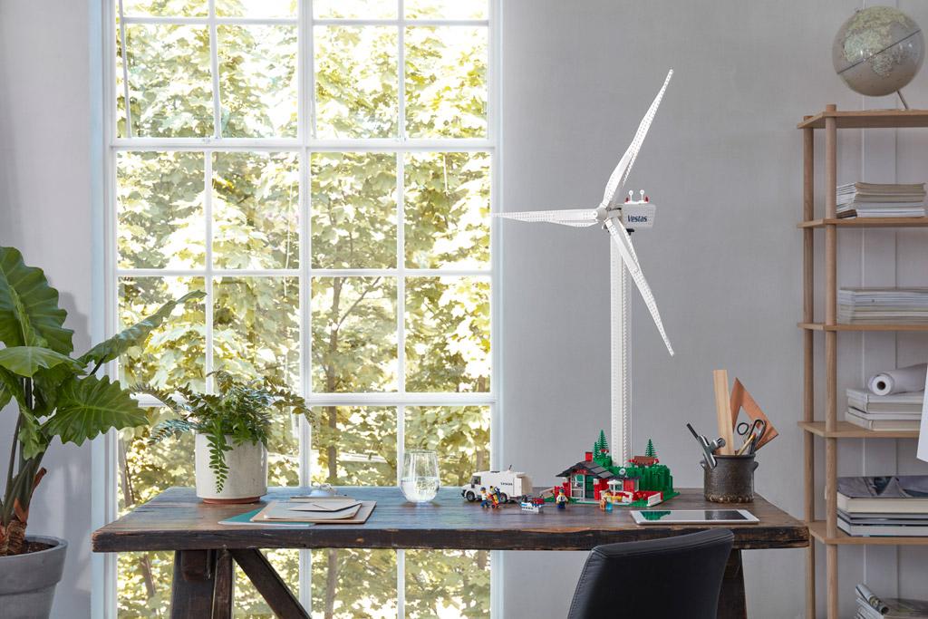 lego-creator-expert-vestas-windkraftanlage-10268-schreibtisch-2018 zusammengebaut.com
