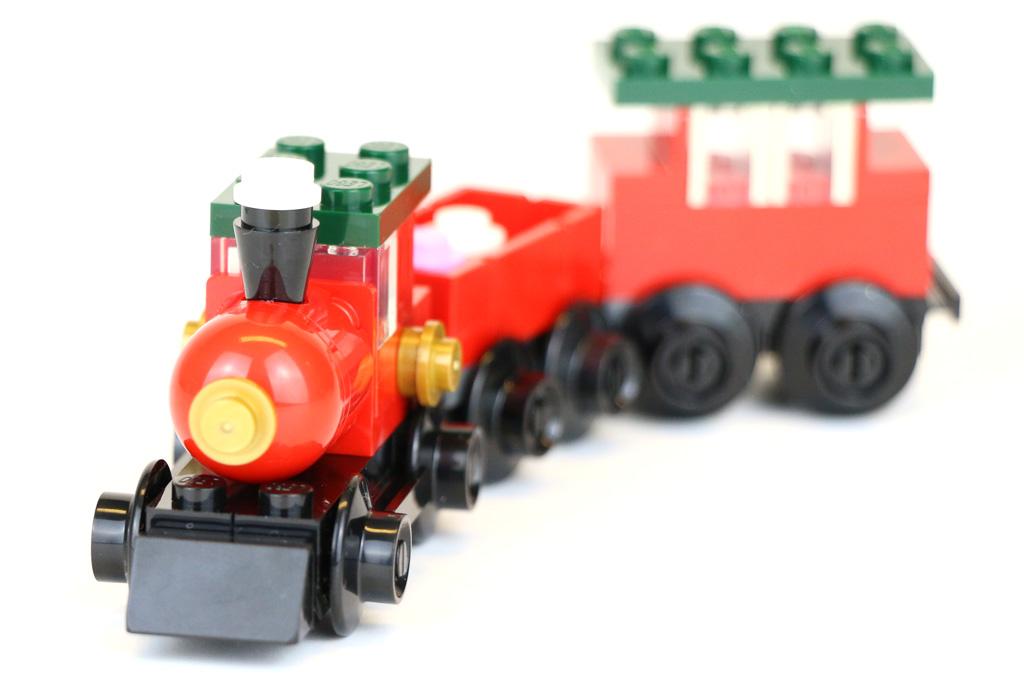 lego-creator-weihnachtszug-30543-polybag-2018-zusammengebaut-andres-lehmann zusammengebaut.com
