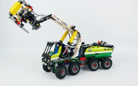 lego-technic-harvester-forstmaschine-42080-2018-zusammengebaut-andre-micko zusammengebaut.com