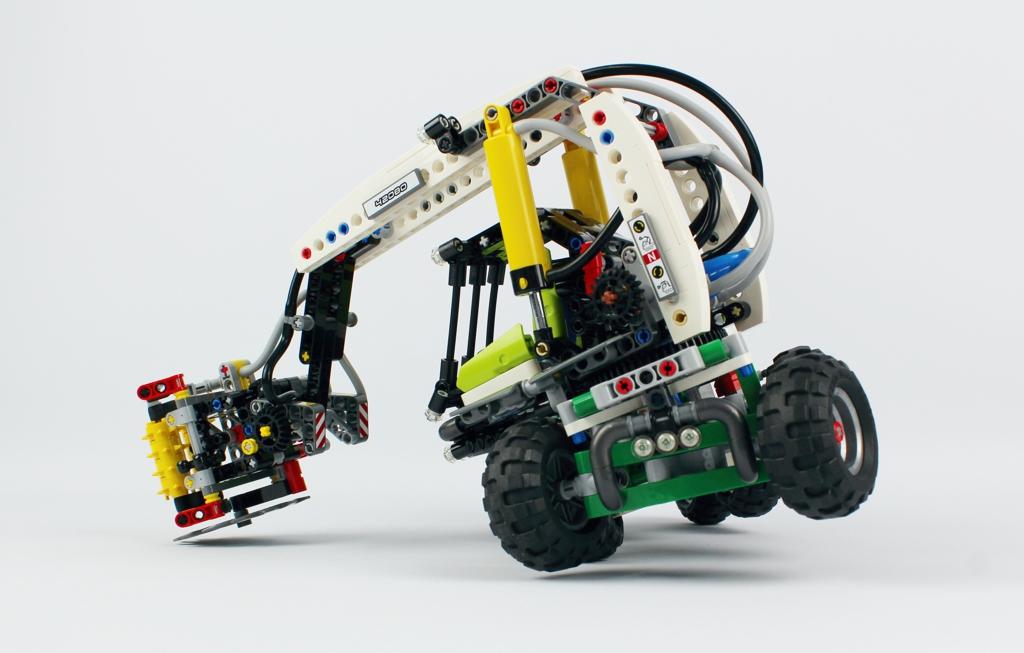 lego-technic-harvester-forstmaschine-42080-kippen-2018-zusammengebaut-andre-micko zusammengebaut.com