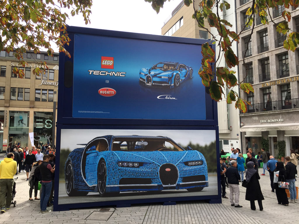 lego-technic-bugatti-chiron-xxl-duesseldorf-box-2018-zusammengebaut-michael-kopp zusammengebaut.com