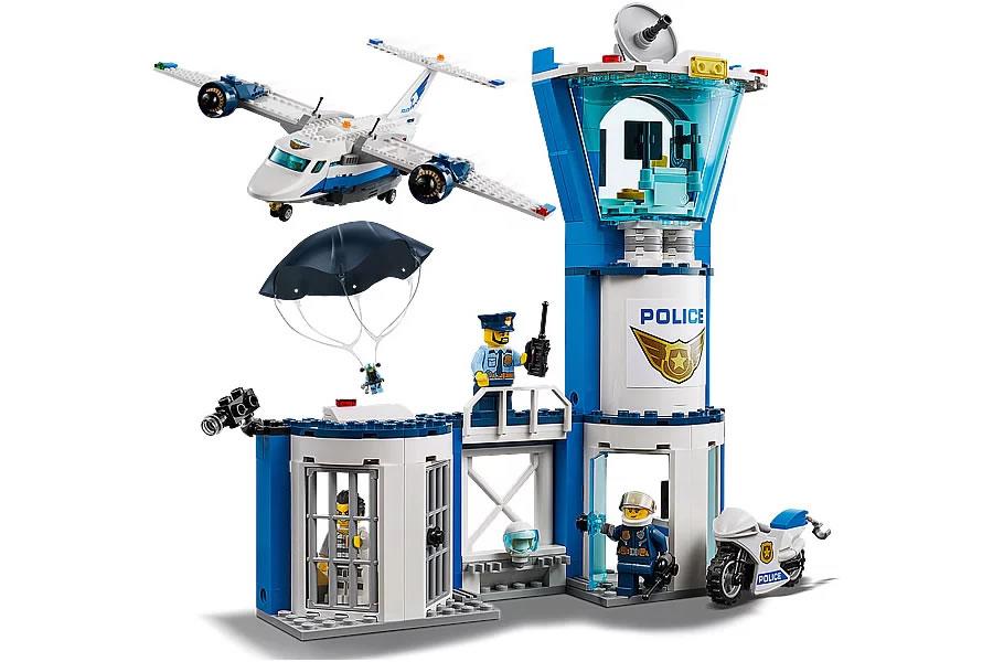 lego-city-sky-police-air-base-60210-inhalt-2019 zusammengebaut.com