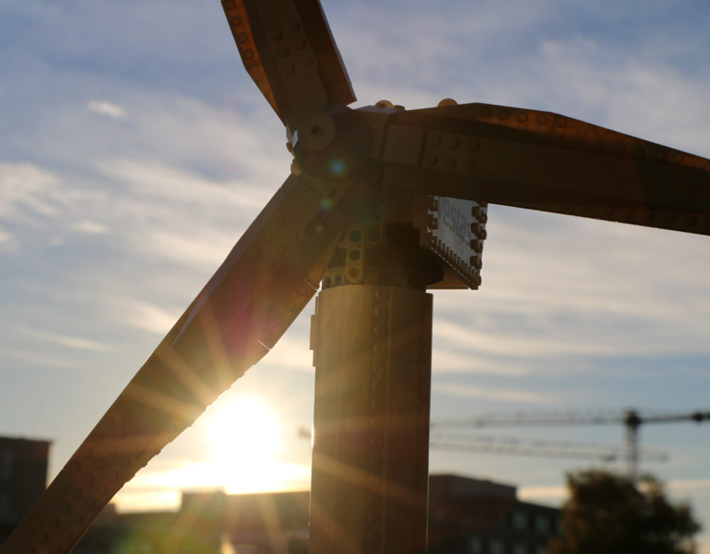 lego-creator-expert-vestas-windkraftanlage-10268-gegenlicht-2018-zusammengebaut-andres-lehmann zusammengebaut.com
