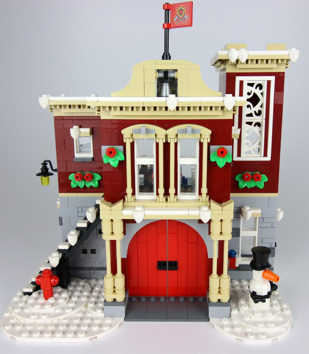 lego-creator-expert-winterliche-feuerwache-10263-gebaeude-2018-zusammengebaut-andres-lehmann zusammengebaut.com