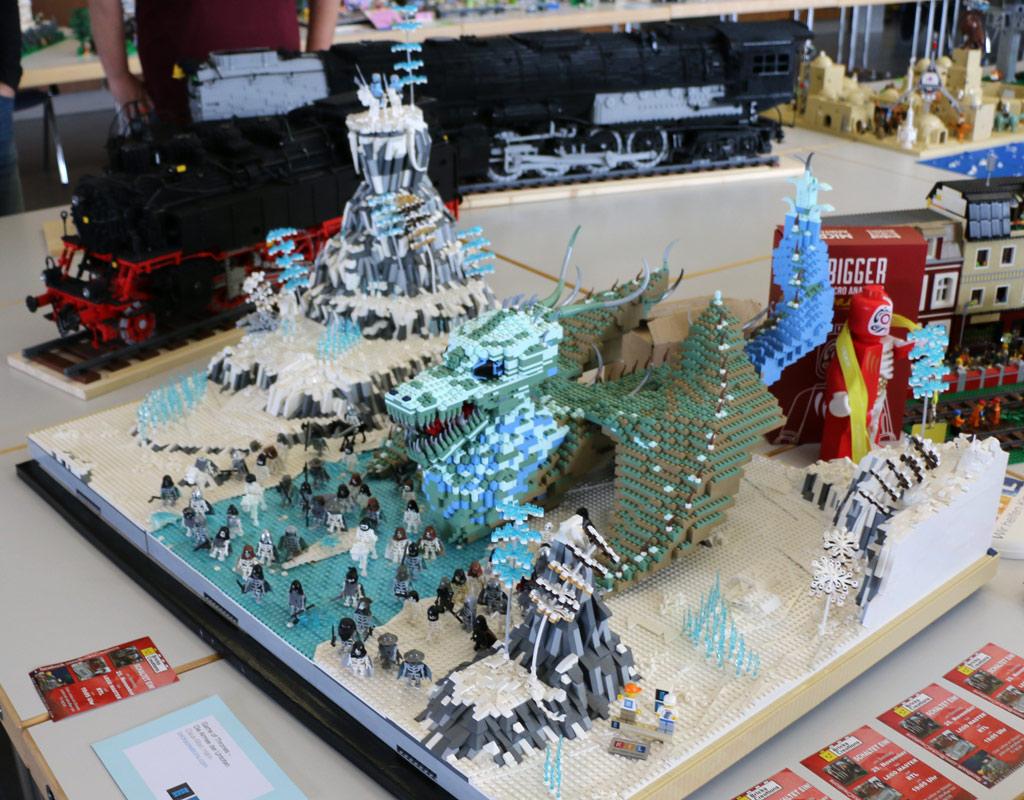 lego-game-of-thrones-die-armee-der-untoten-claus-marc-hahn-totale-zusammengebaut-2018-andres-lehmann zusammengebaut.com