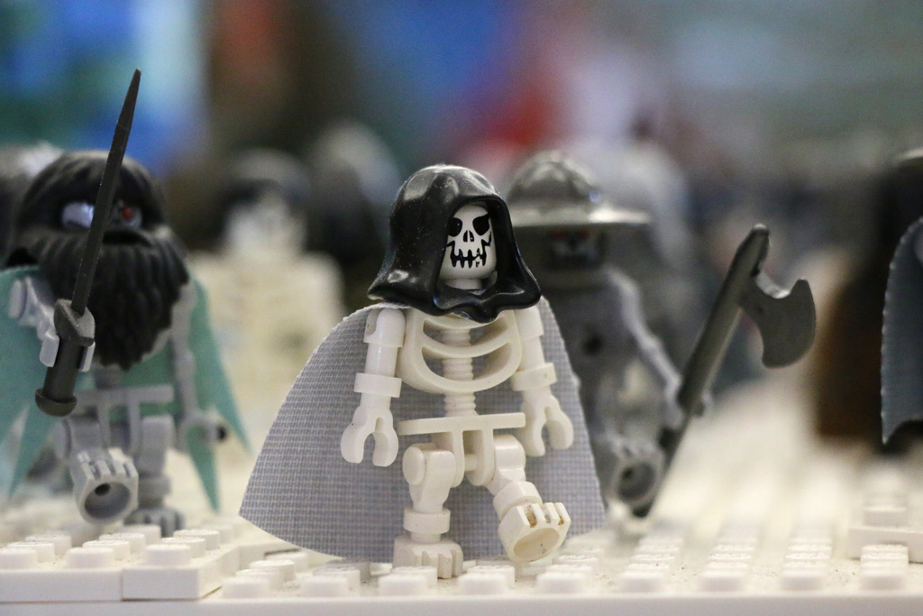 lego-game-of-thrones-die-armee-der-untoten-skelett-claus-marc-hahn-totale-zusammengebaut-2018-andres-lehmann zusammengebaut.com