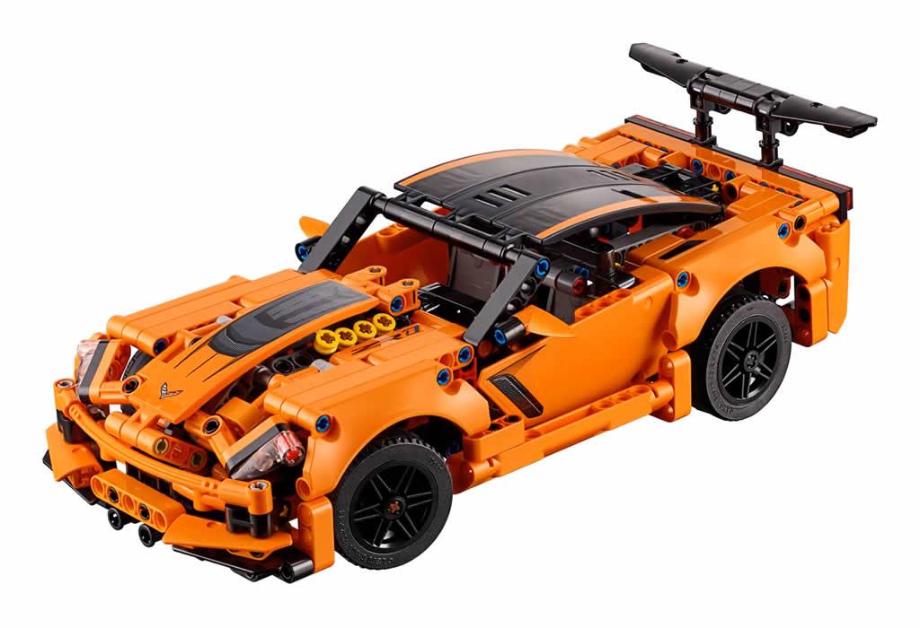 lego-technic-chevrolet-corvette-zr1-42093-2019 zusammengebaut.com