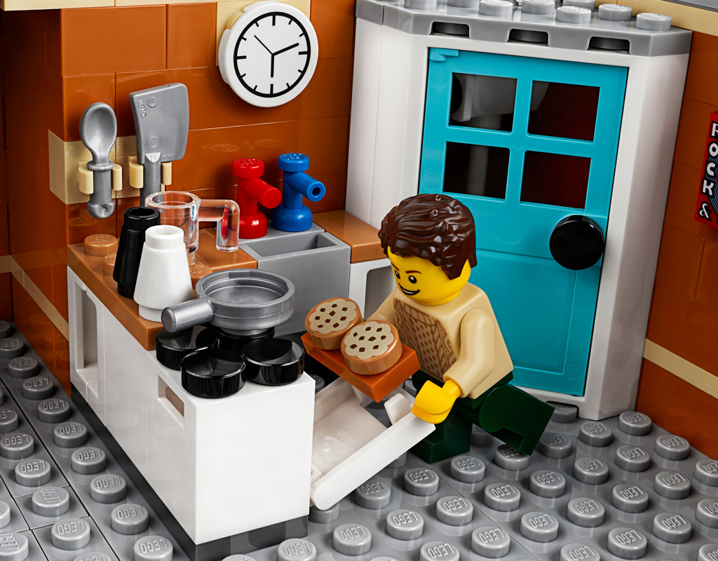 lego-creator-expert-corner-garage-10264-2019-backen-apartment zusammengebaut.com