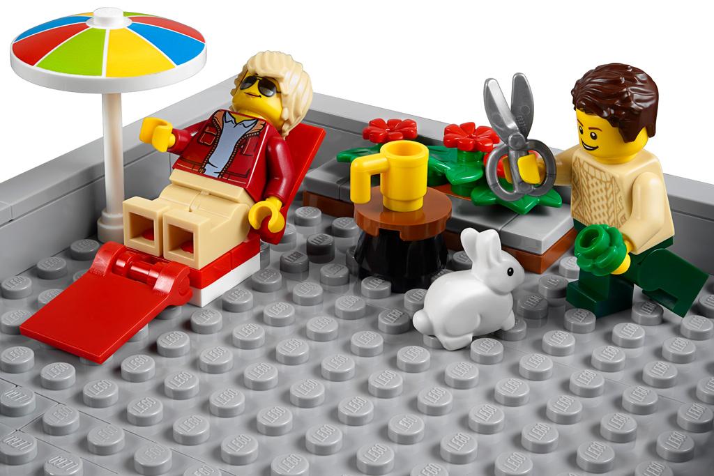 lego-creator-expert-corner-garage-10264-2019-dachterrasse-sonnen zusammengebaut.com
