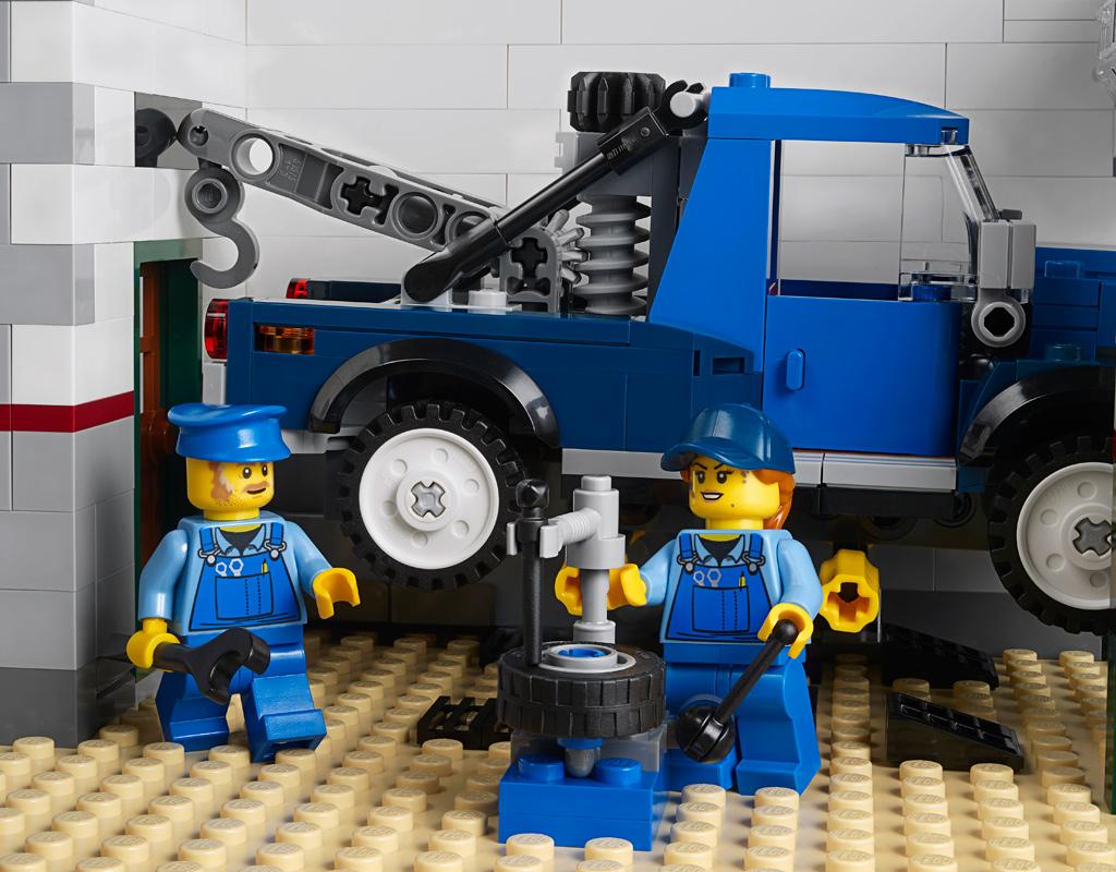 lego-creator-expert-corner-garage-10264-2019-garage-fahrzeug zusammengebaut.com