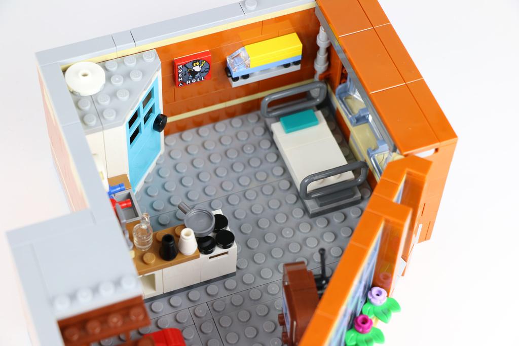 lego-creator-expert-corner-garage-10264-apartment-2018-zusammengebaut-andres-lehmann zusammengebaut.com