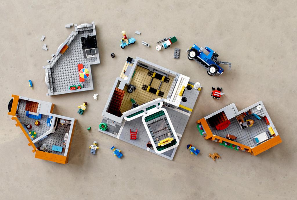 lego-creator-expert-corner-garage-10264-bestandteile zusammengebaut.com