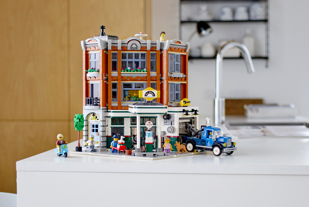 lego-creator-expert-corner-garage-10264-kueche zusammengebaut.com