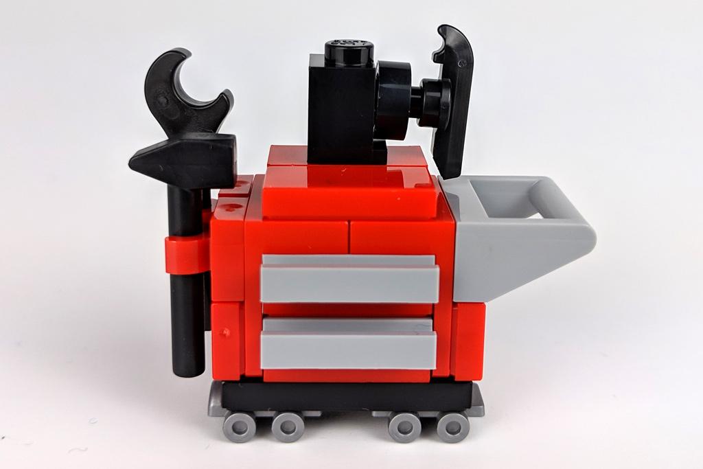 lego-creator-expert-corner-garage-10264-werkzeugwagen-2018-zusammengebaut-andres-lehmann zusammengebaut.com