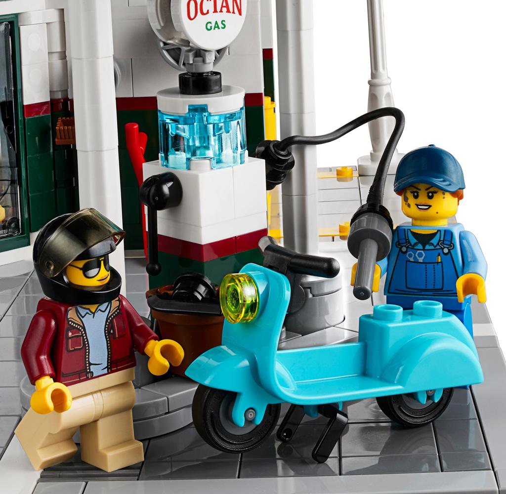 lego-creator-expert-eckgarage-10264-corner-garage-2019-modular-building-tankestelle-moped zusammengebaut.com