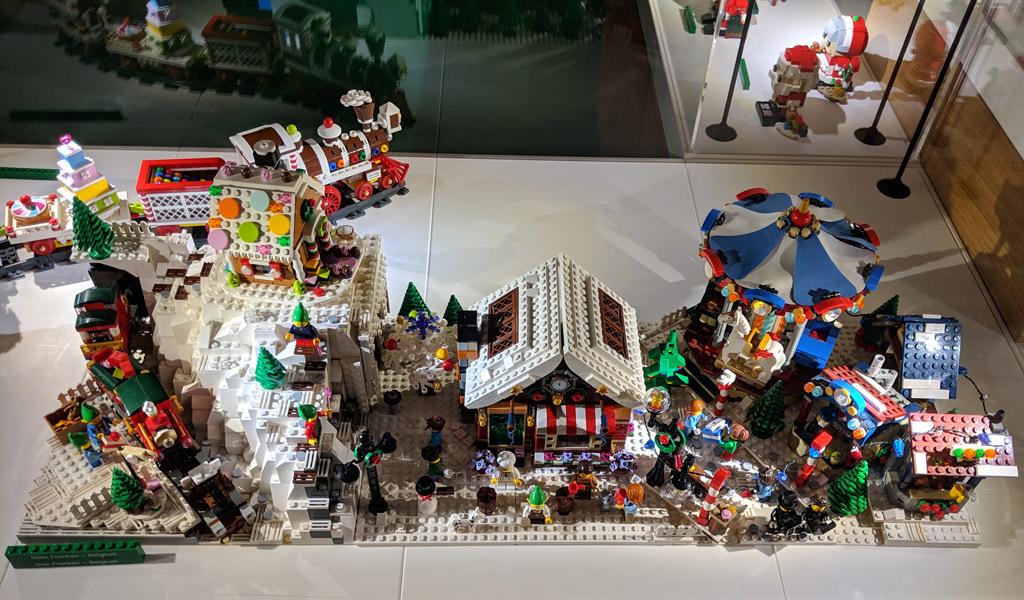 lego-house-weihnachten-foyer-winter-village-zusammengebaut-andres-lehmann zusammengebaut.com