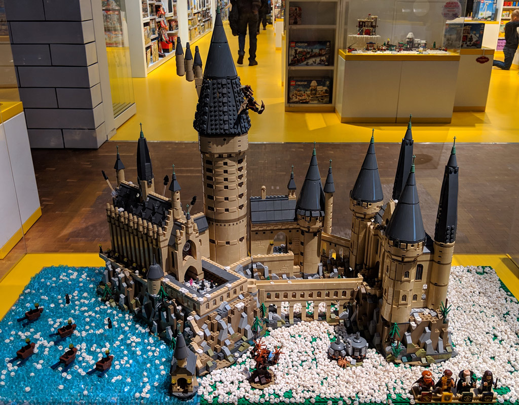 lego-house-weihnachten-schloss-hogwarts-2018-zusammengebaut-andres-lehmann zusammengebaut.com
