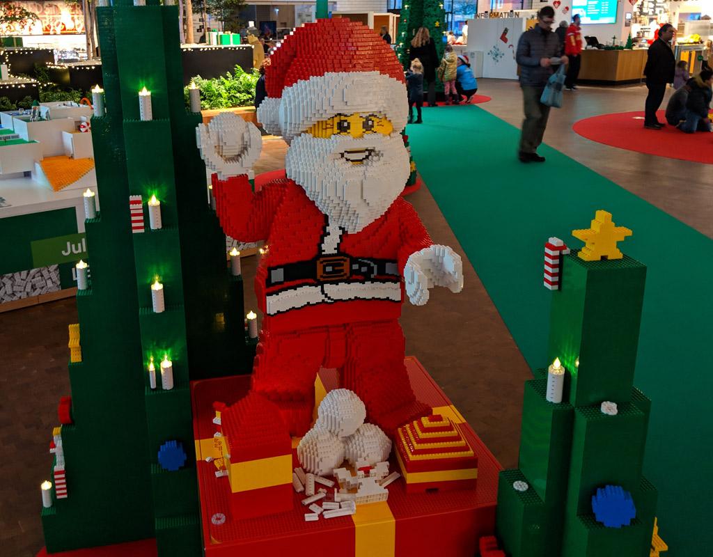 lego-house-weihnachten-weihnachtsmann-2018-zusammengebaut-andres-lehmann zusammengebaut.com