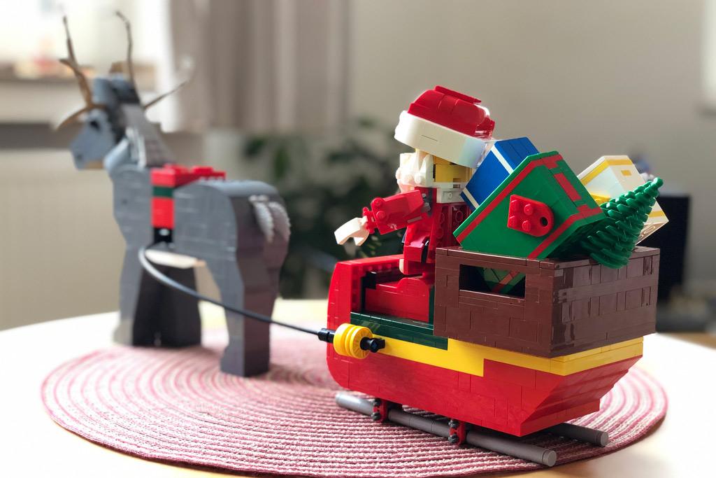 lego-mitarbeiter-set-weihnachtsmann-rentier-back-4002018-zusammengebaut-michael-kopp zusammengebaut.com