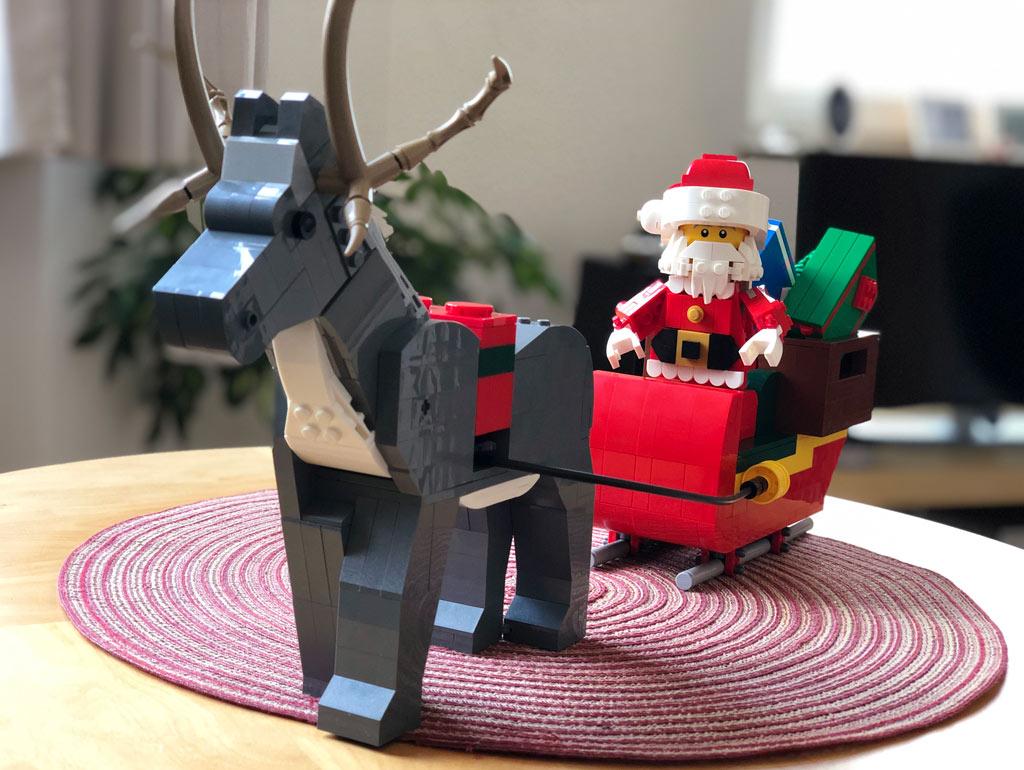lego-mitarbeiter-set-weihnachtsmann-rentier-front-4002018-zusammengebaut-michael-kopp zusammengebaut.com
