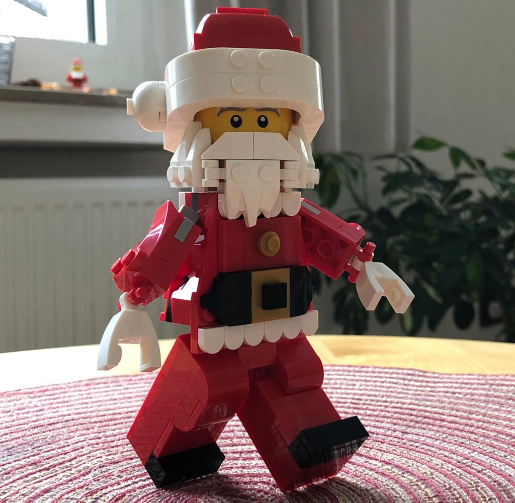 lego-mitarbeiter-set-weihnachtsmann-rentier-santa-seite-4002018-zusammengebaut-michael-kopp zusammengebaut.com