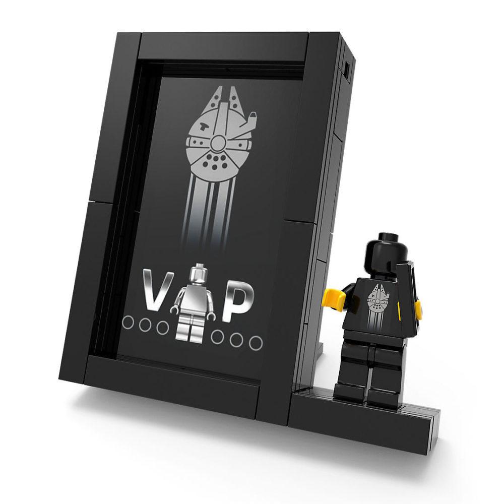 lego-praesentationsständer-fuer-die-schwarze-vip-karte-black-card zusammengebaut.com