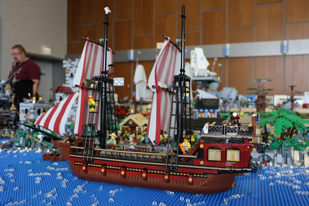 die-insel-lego-schiff-zusammengebaut-2018-borken-andres-lehmann zusammengebaut.com
