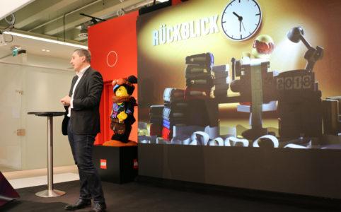 frederic-lehmann-spielwarenmesse-pressekonferenz-lego-2019-zusammengebaut-andres-lehmann zusammengebaut.com