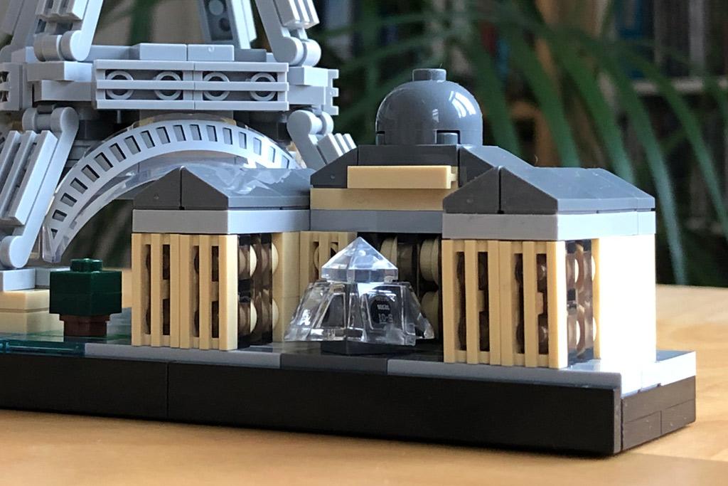 lego-architectur-paris-21044-skyline-eiffelturm-louvre-2018-zusammengebaut-michael-kop zusammengebaut.comp