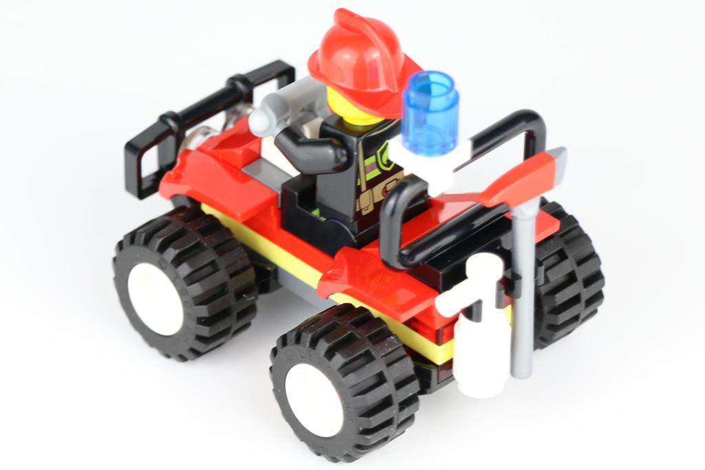 lego-city-polybag-fire-atv-30361-polyybag-2019-zusammengebaut-andres-lehmann zusammengebaut.com