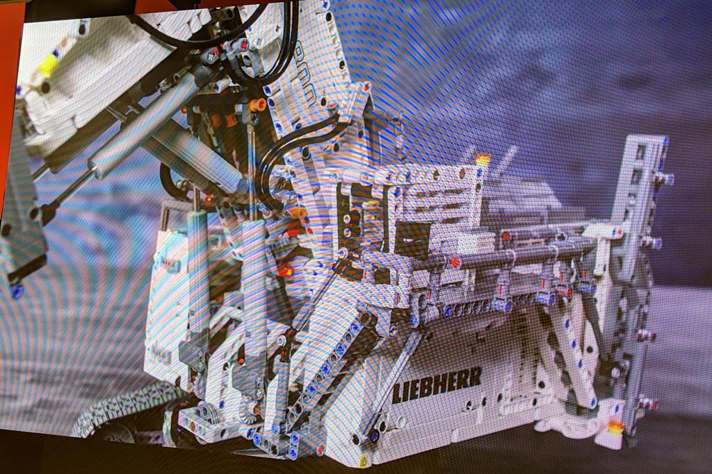 lego-technic-liebherr-9800-42100-nahansicht-2019-zusammengebaut-andres-lehmann zusammengebaut.com