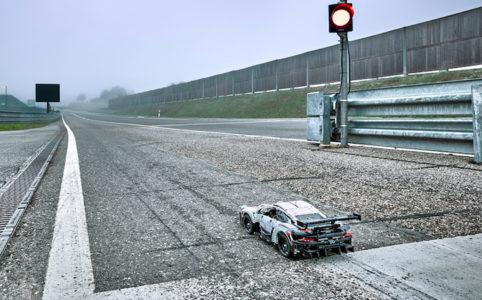 lego-technic-porsche-911-prsr-42096-strecke-2019 zusammengebaut.com