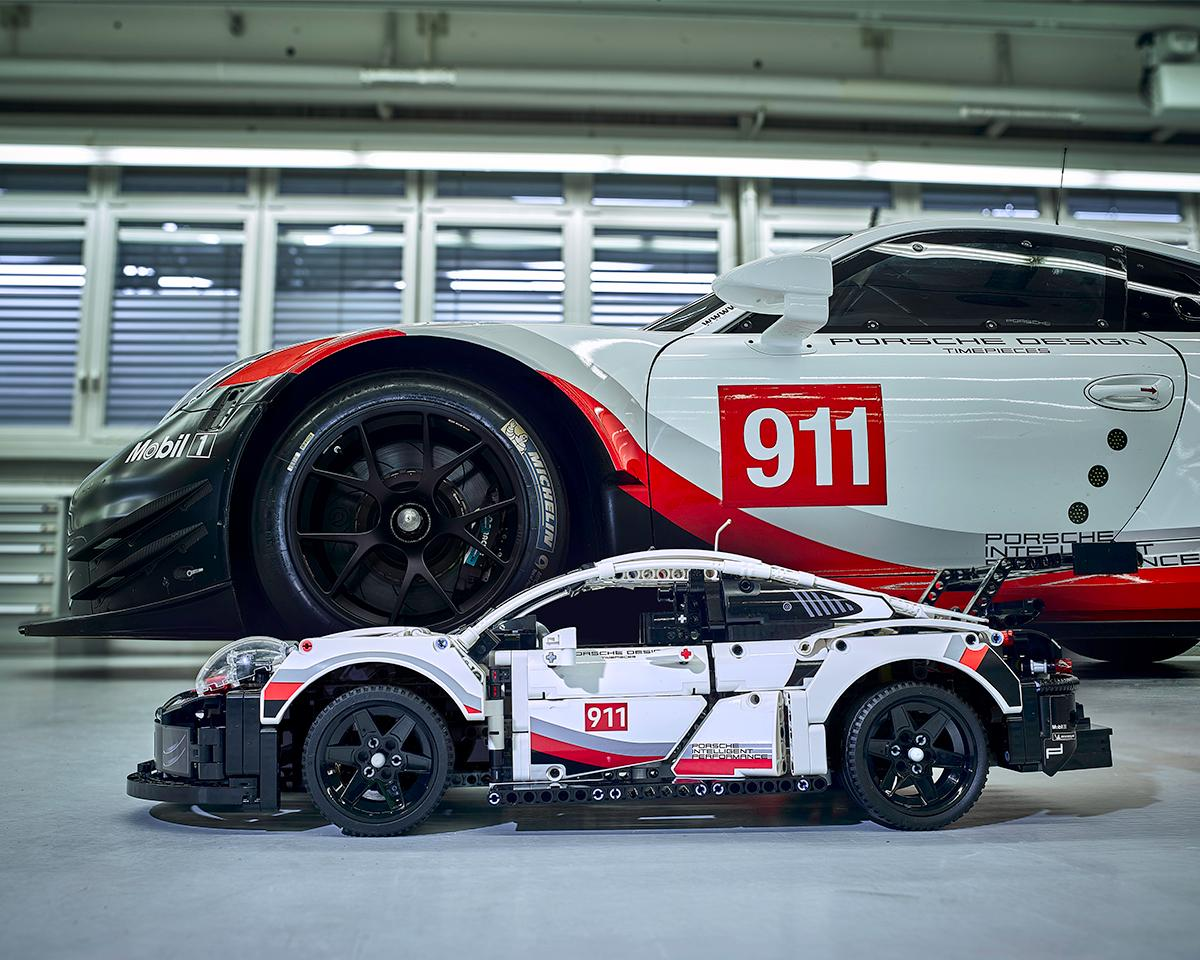 lego-technic-porsche-911-rsr-42096-original-seite zusammengebaut.com