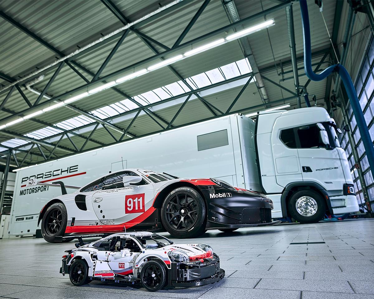 lego-technic-porsche-911-rsr-42096-original-truck zusammengebaut.com