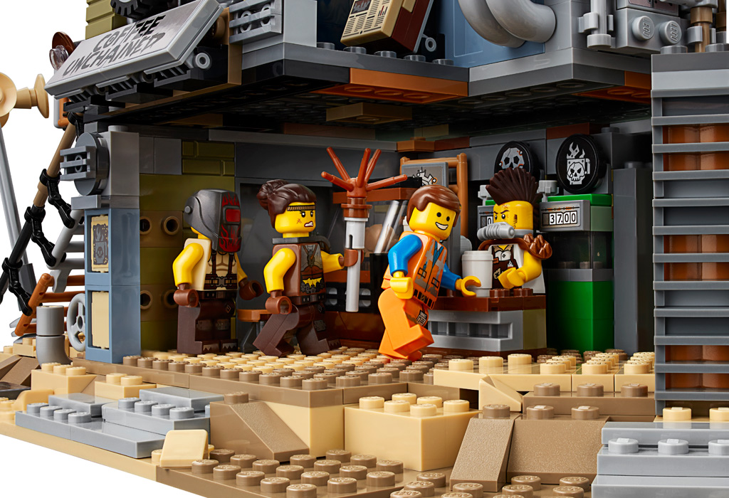 the-lego-movie-2-welcome-to-apocalypseburg-70840-aussen-2019 zusammengebaut.com