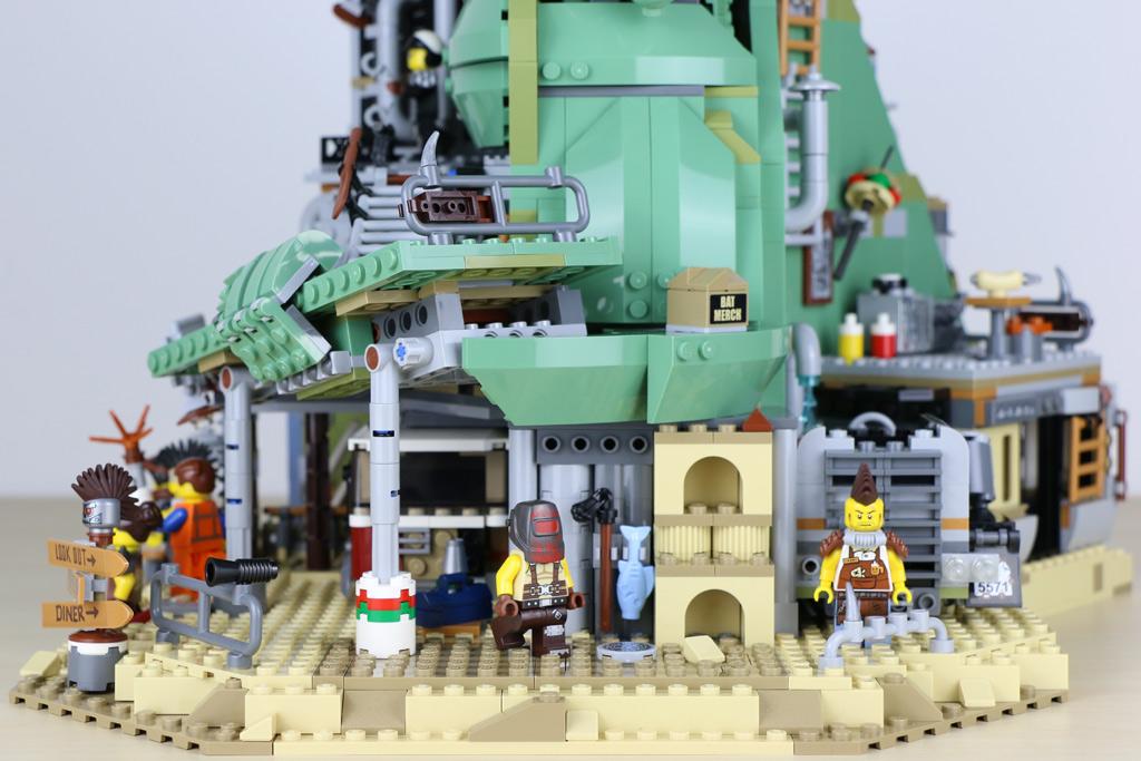 the-lego-movie-2-willkommen-in-apokalypstadt-set-70840-seite-2019-zusammengebaut-andres-lehmann zusammengebaut.com