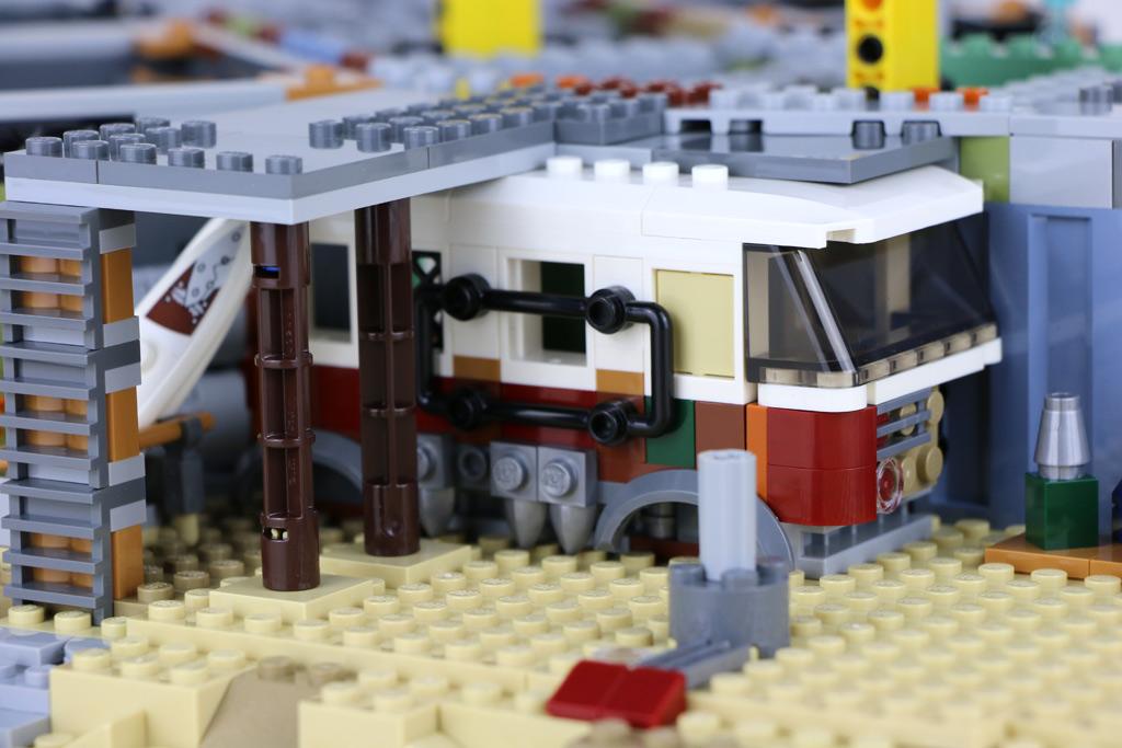 the-lego-movie-2-willkommen-in-apokalypstadt-set-70840-vw-bus-2019-zusammengebaut-andres-lehmann zusammengebaut.com
