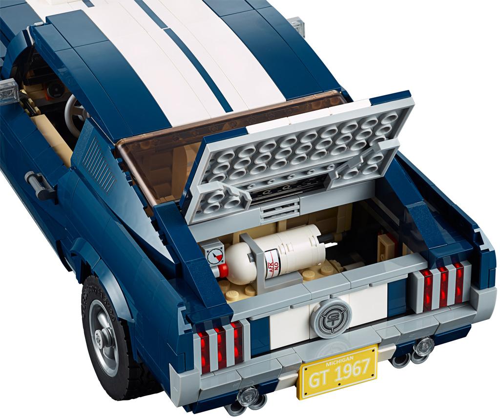 lego-creator-expert-ford-mustang-10265-2019-kofferraum zusammengebaut.com