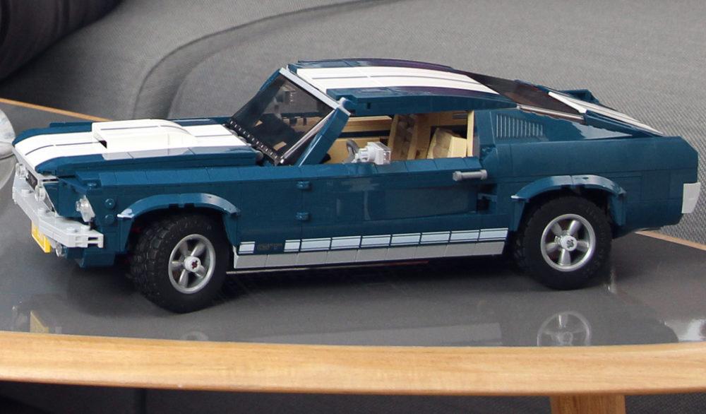 lego-creator-expert-ford-mustang-10265-2019-tisch zusammengebaut.com