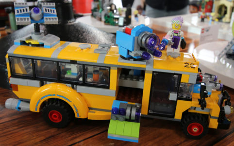 lego-hidden-side-bus-70423-new-york-toy-fair-2019-zusammengebaut-andres-lehmann zusammengebaut.com