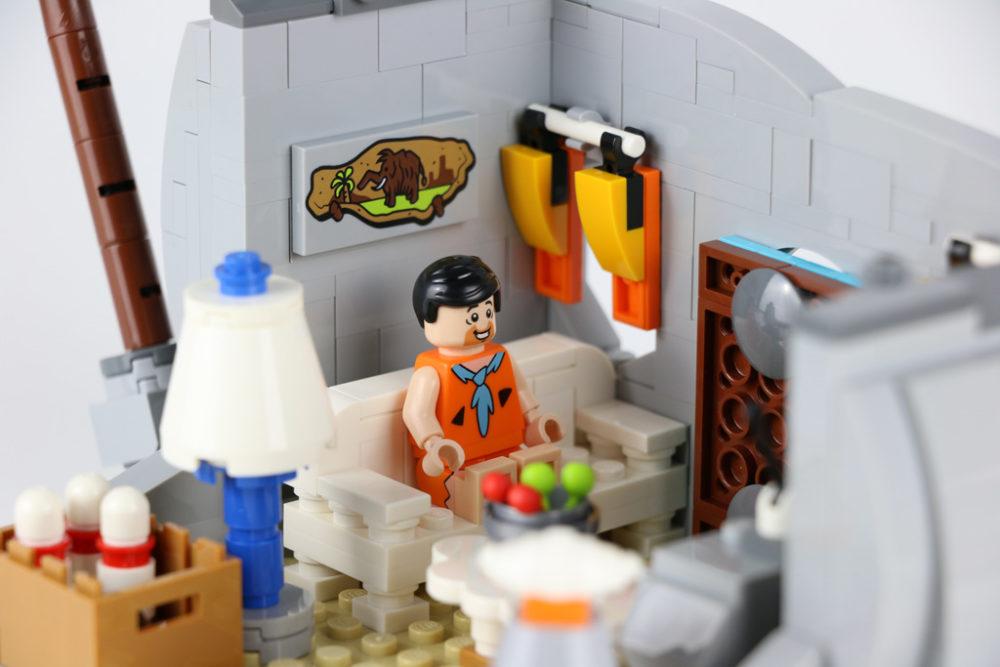 lego-ideas-the-flintstones-21316-famiilie-feuerstein-flintstone-stube-couch-2019-zusammengebaut-andres-lehmann zusammengebaut.com