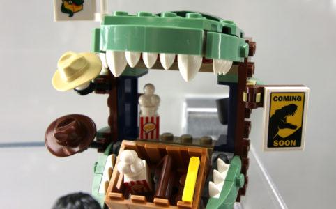 lego-jurassic-world-dilophosaurus-on-the-loose-75932-stand-new-york-toy-fair-2019-zusammengebaut-andres-lehmann zusammengebaut.com