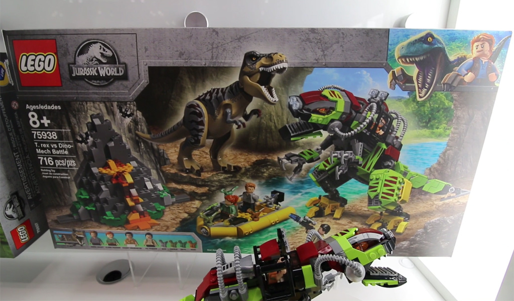 lego-jurassic-world-t-rex-vs-dino-mech-battle-75938-box-new-york-toy-fair-2019-zusammengebaut-andres-lehmann zusammengebaut.com