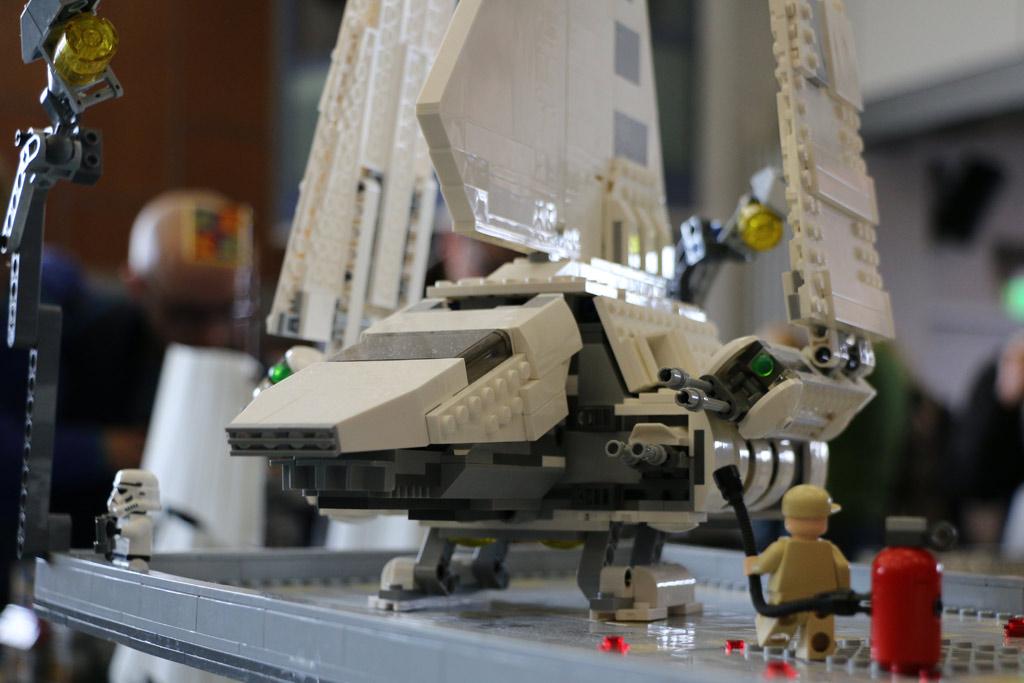 lego-star-wars-endor-layout-shuttle-front-zusammengebaut-2018-andres-lehmann zusammengebaut.com