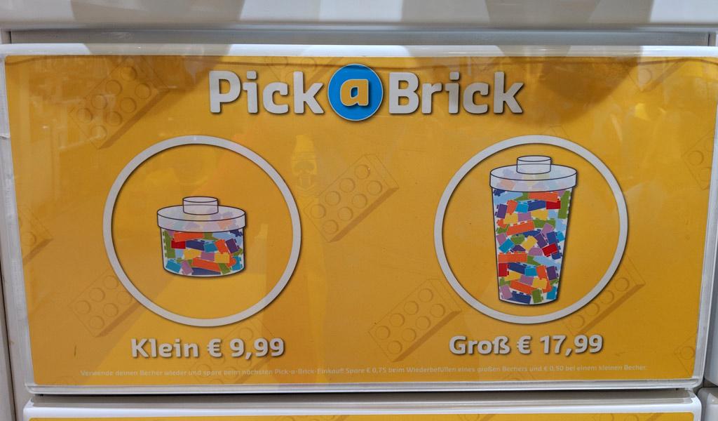 lego-store-spitalerstreasse-12-hamburg-pick-a-brick-becher-2019-zusammengebaut-andres-lehmann zusammengebaut.com