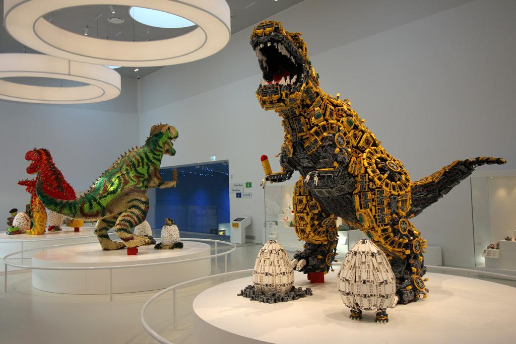 dinos-lego-house-uebersicht-duplo-masterpiece-gallery-billund-2019-zusammengebaut-andres-lehmann zusammengebaut.com